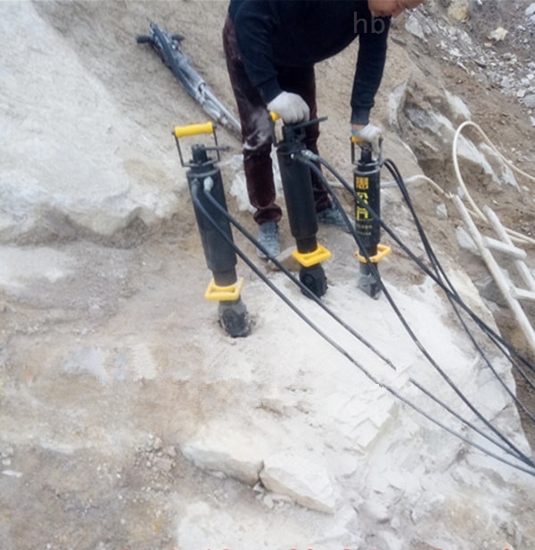 乐山市静态破石头机器硬石头破裂机正规开采机器