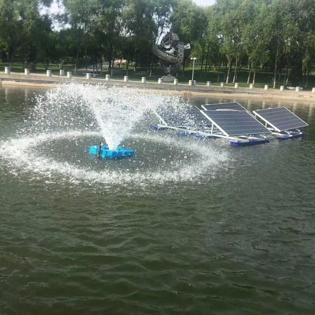 RKSUN750-P光伏浮船畜电池组曝气、喷泉的太阳能曝气机