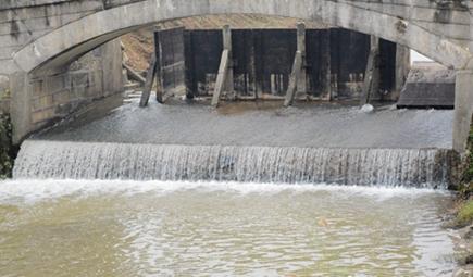 雷锋河污水一体化处理工程投入运行