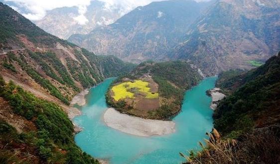 """保护高原上的""""大水缸"""" 西藏扎实推进水源地整治"""