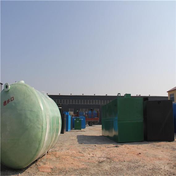 60m3/d医院污水处理设备 设备维护、保养及注意事项 1.当设备埋于地下时、要注意保证下雨设备周围不积水,设备的排出水口必须在相对地坪-0.60m以下,设备上方不得有车辆通过,设备一般不得抽空内部污水、以防地下水把设备浮起。 2.设备管理必须建立一套定期保养制度,主要易损件是风机与水泵,风机转向不能接反,如进入污水必须清理,更换机油后方能使用,风机启动前必须注意空气阀门是否打开。 3.设备在运行过程中如需维修或更换另部件时,现场必须保证三人以上人员,进行充分的通风后,维修人员必须系好安全带,带上防毒面